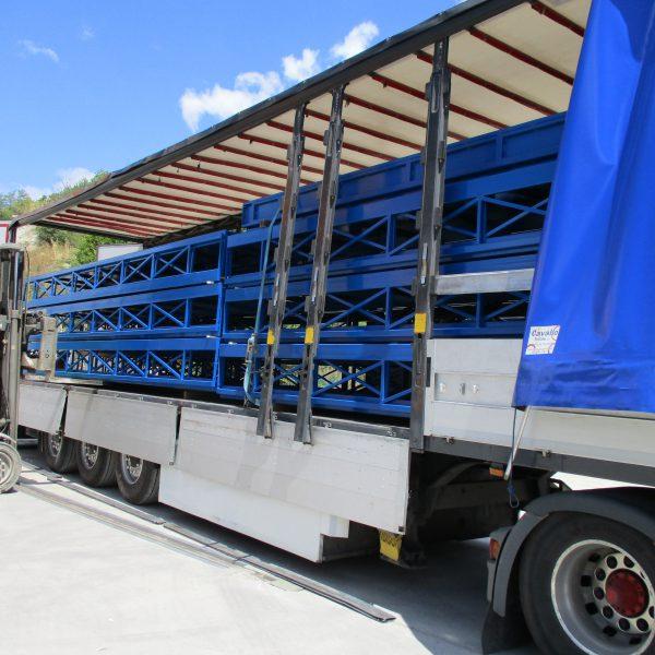 Trasporto di prodotti per veniciatura - Sirio Vericiatura Certaldo